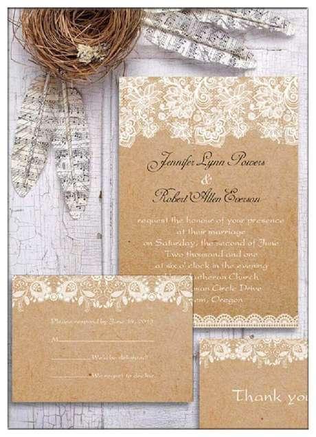 70. Convite de casamento simples e rústico com estampa de renda – Foto: Elegant Wedding Invites