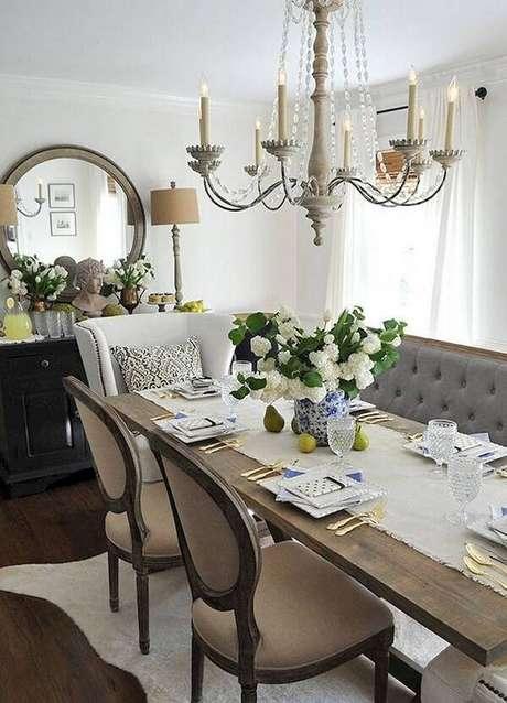 41. Decore a sala de jantar com cadeiras diferentes. Fonte: Pinterest