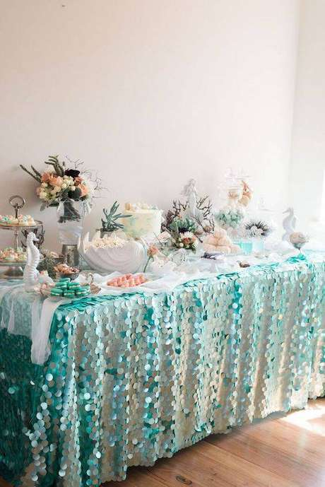 32. Decoração de festa em casa de 15 anos temática – Via: Revista VD