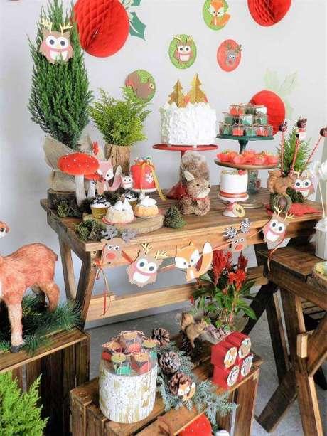 40. Decoração de festa em casa com animais para crianças brincarem – Via: Inspire Moms