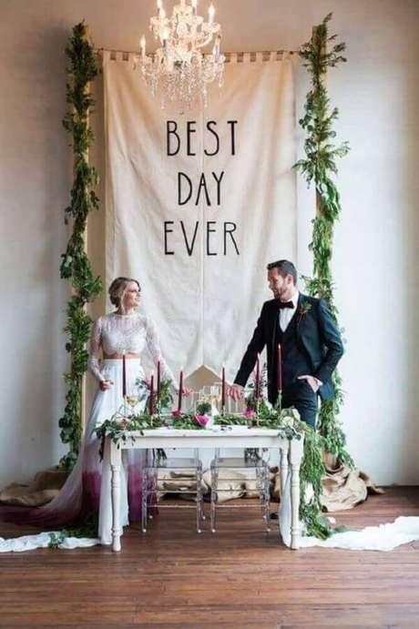 10. Festa de casamento em casa com detalhes lindos – Via: Revista VD
