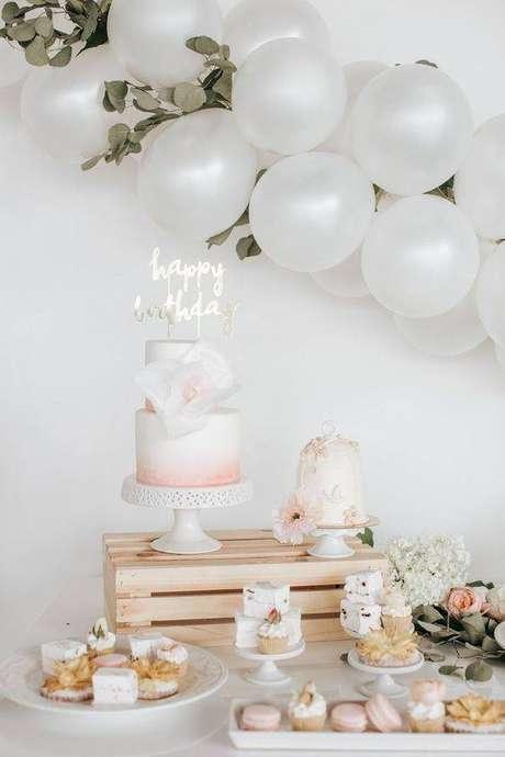 58. Festa em casa com cores claras e delicadas – Via: Pinterest
