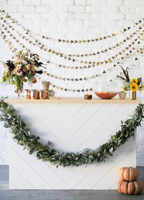 12. Festa em casa com decoração minimalista em rose gold – Via: Casa Vogue