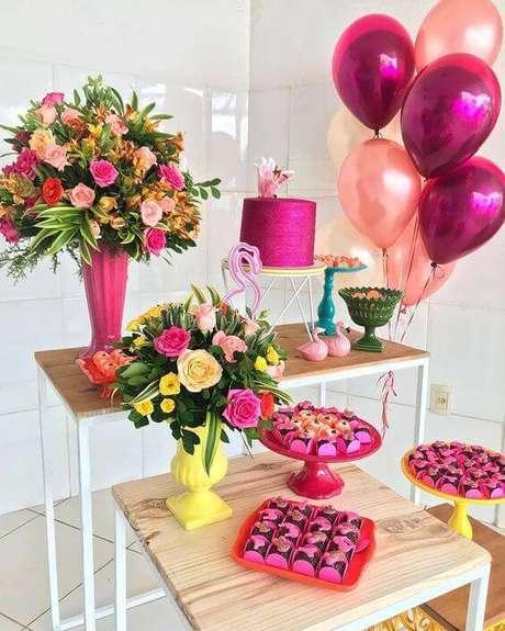 13. Festa em casa com balões metalizados – Via: Pinterest