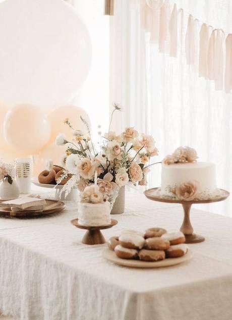 20. A festa em casa simples também pode ser linda! – Via: Karas Party Ideas