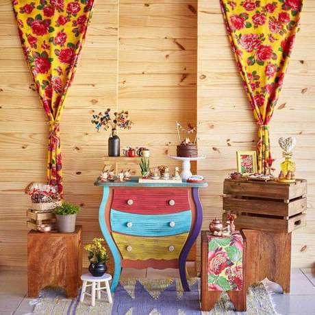 26. Festa junina em casa com decoração colorida – Via: Tua Casa