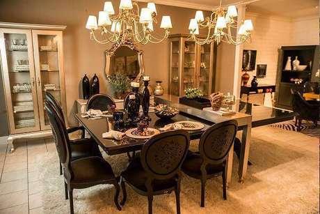 28. Sala de jantar com decoração sofisticada. Fonte: Fleiner Schein