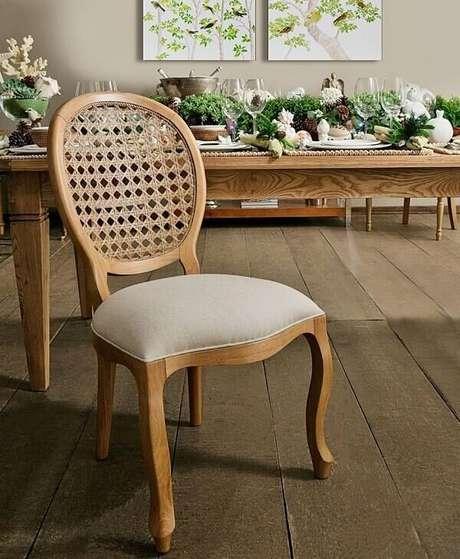 35. Modelo de cadeira de medalhão feita de palhinha. Fonte: Pinterest