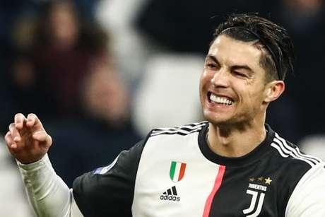 Cristiano Ronaldo fez dois gols na vitória por 3 a 1 da Juventus sobre a Udinese - ISABELLA BONOTTO / AFP