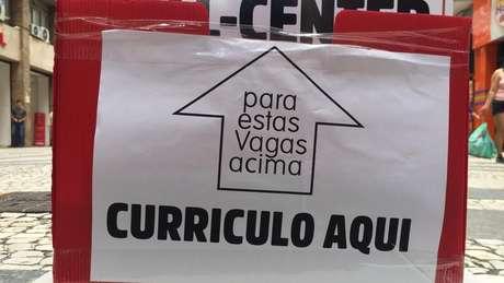 """Caixa onde está escrito """"Currículo"""""""