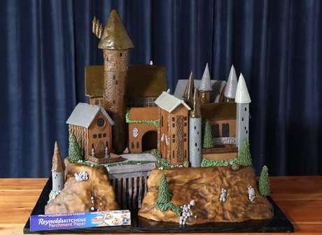 Réplica do castelo de Hogwarts foi feita usando pão de gengibre