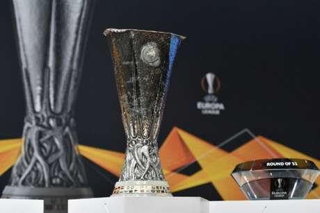 Sorteio da Liga Europa foi realizado nesta segunda em Nyon, na Suíça (Foto: Fabrice COFFRINI / AFP)