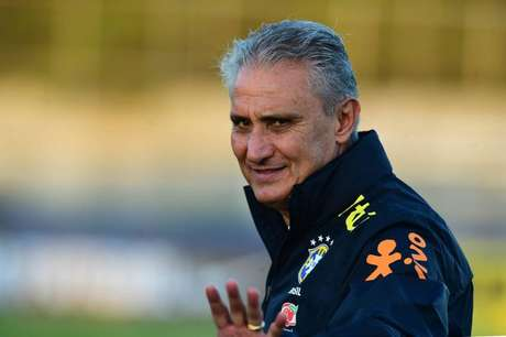 Treinador vê equipe pressionada (Foto: Sergio Barzaghi/Gazeta Press)