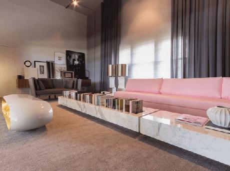30. Os detalhes da sua sala de estar também podem ser de mármore carrara – Via: Casa Cor