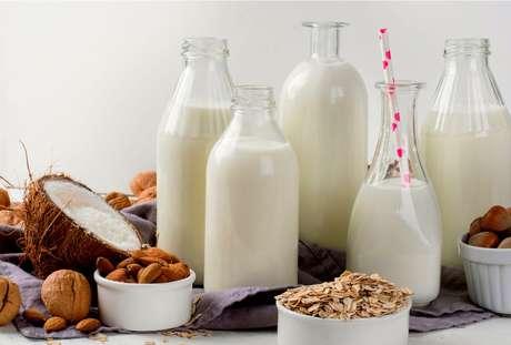 Descubra quais benefícios os leites vegetais podem trazer pra sua saúde