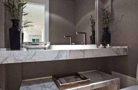 28. Banheiro com bancada de mármore – Projeto: Débora Aguiar