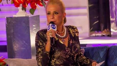 Andréa Beltrão como Hebe em cena do filme e da série em 10 episódios