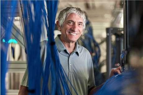 John Martinis liderou as pesquisas de computação quântica do Google