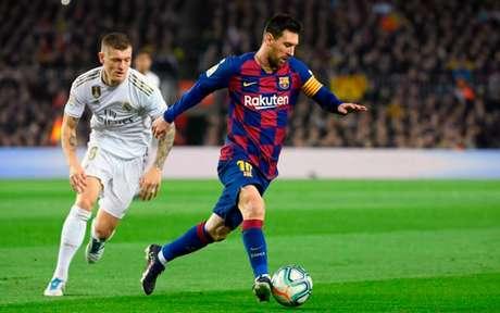Com atuação apagada, Messi não conseguiu fazer o Barcelona vencer em casa (Foto: LLUIS GENE / AFP)