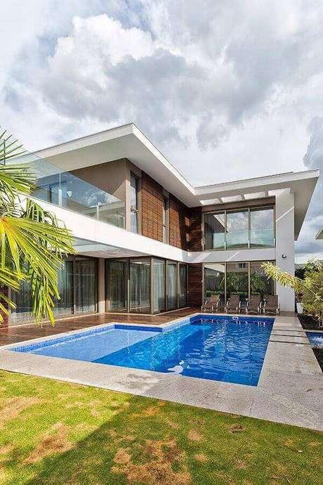 16. Modelos de casas lindas com piscina – Foto: Só Decor