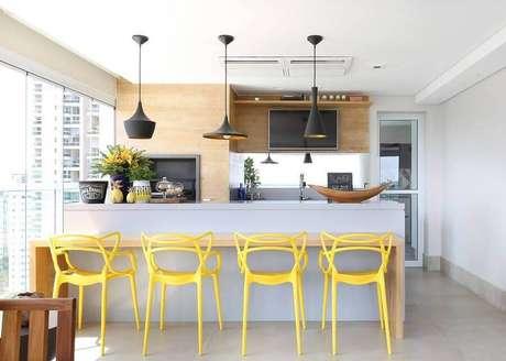 8. Prefira usar coras claras para decoração de casas pequenas e lindas – Foto: Karen Pisacane