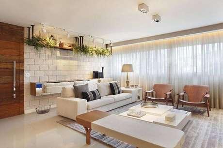 27. Casas lindas e simples decorada em tons neutros – Foto: Studio Eloy e Freitas Arquitetura