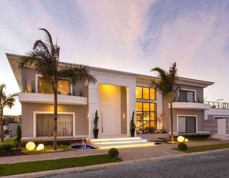 55. Modelos de casas lindas com arquitetura clássica – Foto: Iara Kilaris