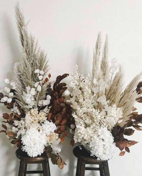 5. Você pode comprar flores secas naturais e artificiais. Foto: Pinterest