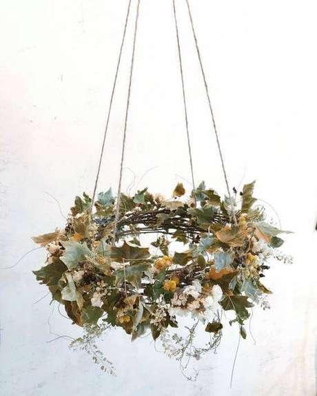 8. As flores secas podem ser usadas de forma suspensa. Foto: Pinterest