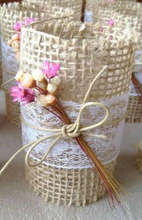 27. As flores secas podem estar em diferentes elementos. Foto: Jardineria Orgânica