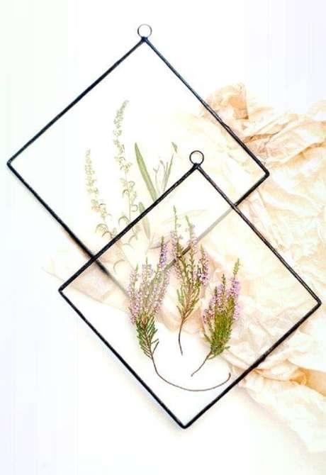 12. Até quadros podem ser criados com flores secas. Foto: Colorante