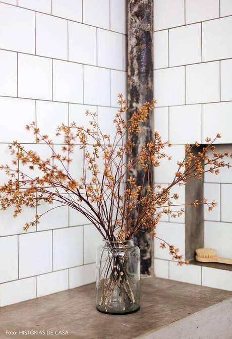 32. As flores secas podem ser delicadas. Foto: Histórias de Casa