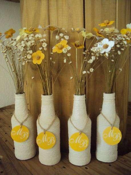 30. As flores secas são perfeitas para diferentes propósitos. Foto: Elo7