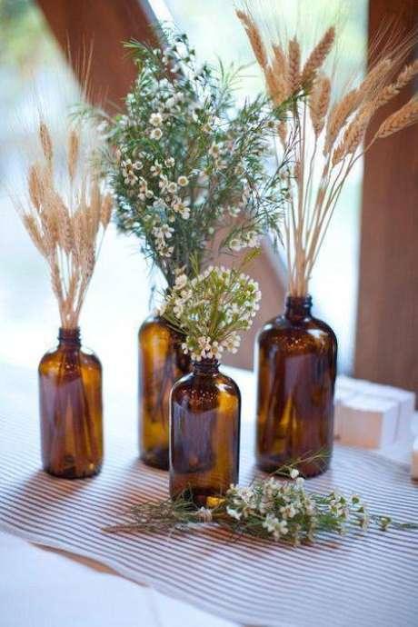 37. As flores secas podem mudar a decoração. Foto: DueHome