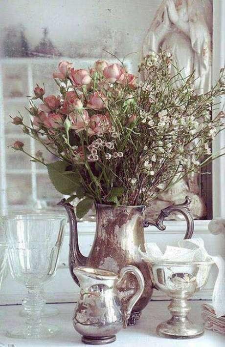 23. O tom rústico desta festa é ressaltado pela prataria e pelas flores secas. Foto: Dani Noce