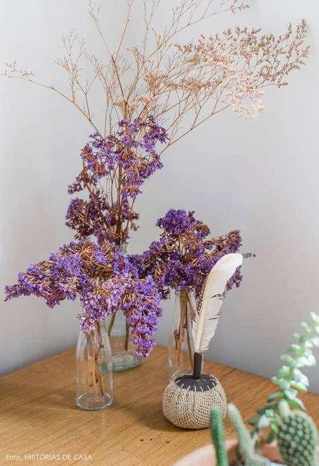 24. As flores secas podem ser coloridas. Foto: Histórias de Casa