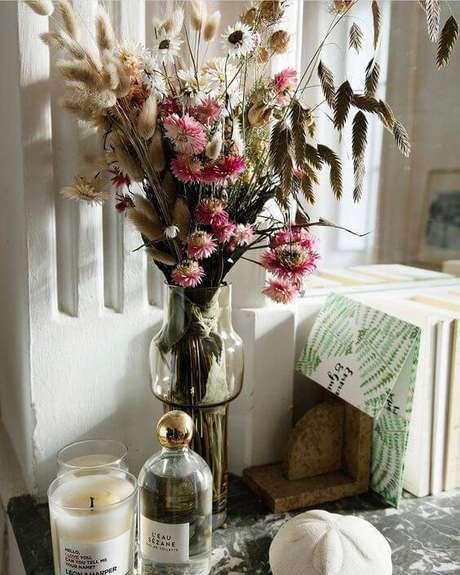 25. As flores secas são lindas para decorar quartos. Foto: Pinterest