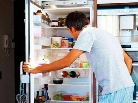 2. Procure manter frutas e verduras mais visíveis na geladeira. Fonte: Fatos Desconhecidos