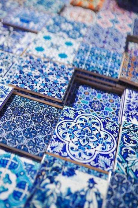 19. Ladrilho português é um lindo exemplo de pisos antigos. Foto: Airbnb