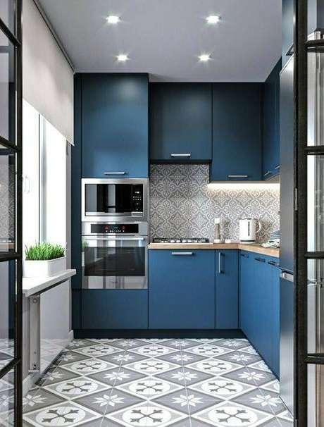 44. Os pisos antigos são lindos até na cor mais sóbria. Foto: Pinterest
