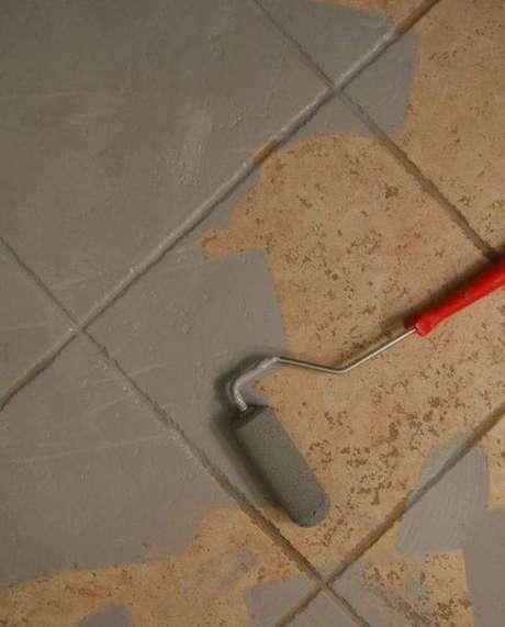 5. É sempre melhor cobrir o pisos antigos com uma cobertura que pode ser revertida. Foto: Gazeta do Povo