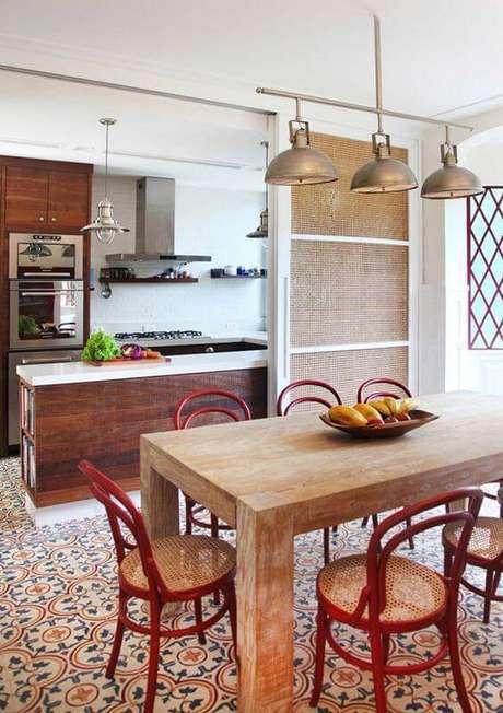 20. O padrão de pisos antigos costumam ser muito destacados. Foto: Eu Amo Decoração