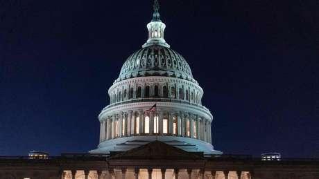 O Capitólio, sede do Legislativo americano; depois de avaliação do impeachment na Câmara, processo segue para Senado
