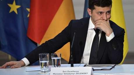 O presidente americano é acusado de orquestrar uma troca de favores com o presidente ucraniano Volodymyr Zelensky, o que deu base para processo de impeachment