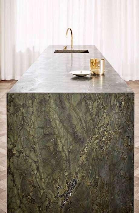1. Bancada incrível feita com granito verde ubatuba. Fonte: Ideias Decor
