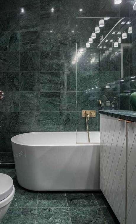 18. Banheiro revestido com esse acabamento maravilhoso. Fonte: Pinterest