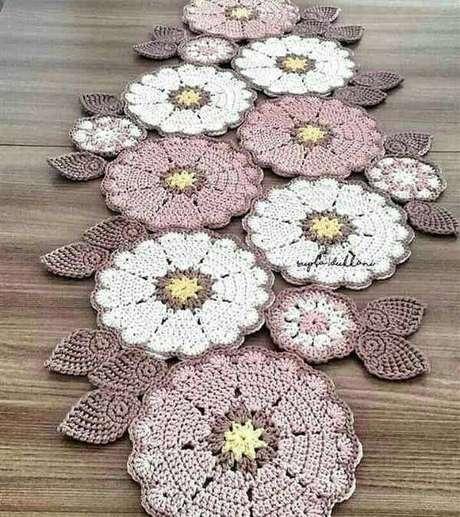 20. Centro de mesa com flores – Via: Coisas de Crochê