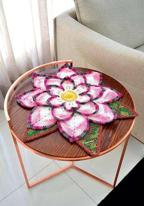 22. Centro de mesa em formato de flores – Via: Bazar Horizonte