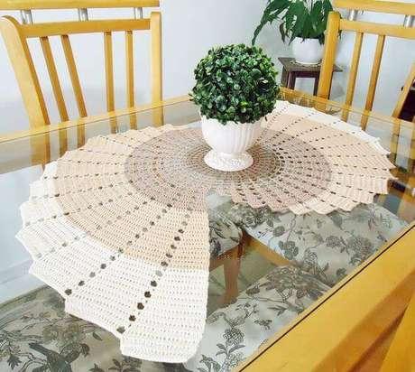 4. Centro de mesa de crochê comprido e criativa – Via: Dcore Você Redondo