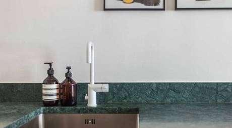25. Cozinha decorada com granito verde ubatuba. Fonte: Ideias Decor